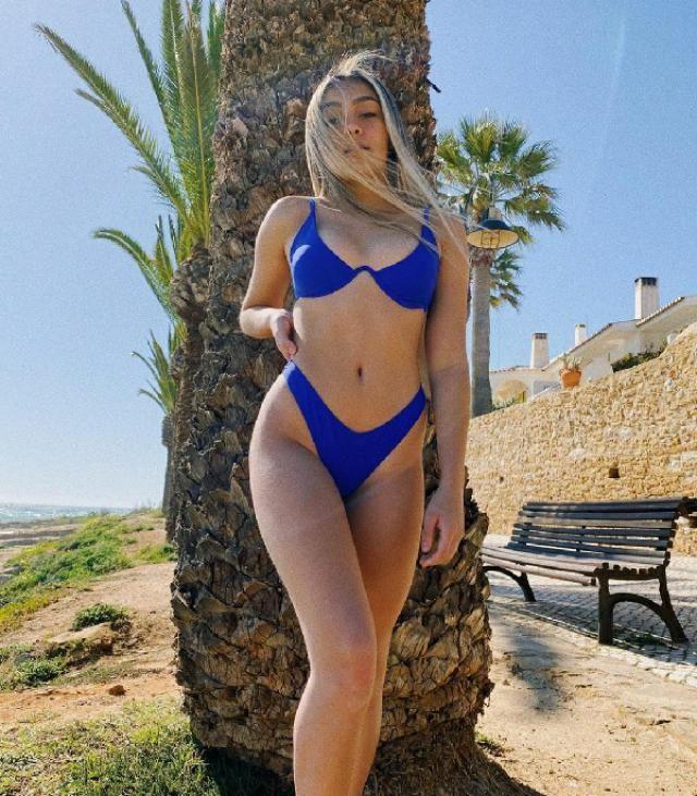 this bikini is super cute / esse biquini e super lindo