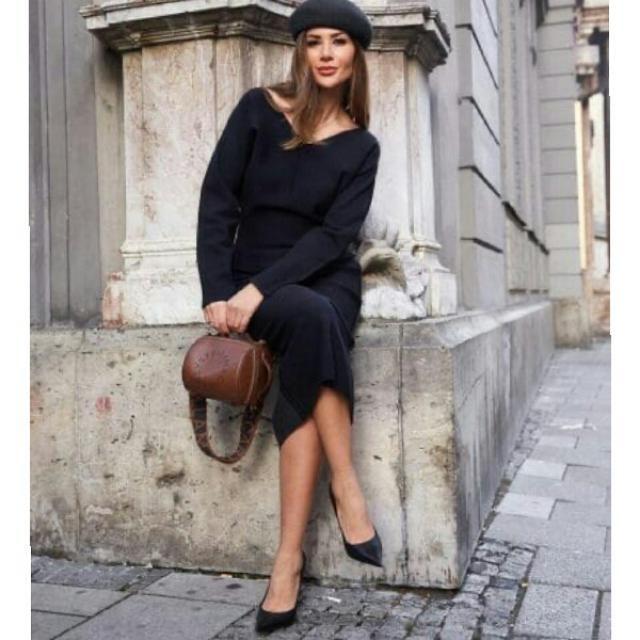fabulous slim fit sweater dress with stylish beret