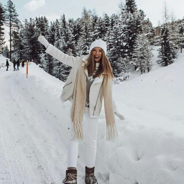 white outfit for cold snowy days look cute