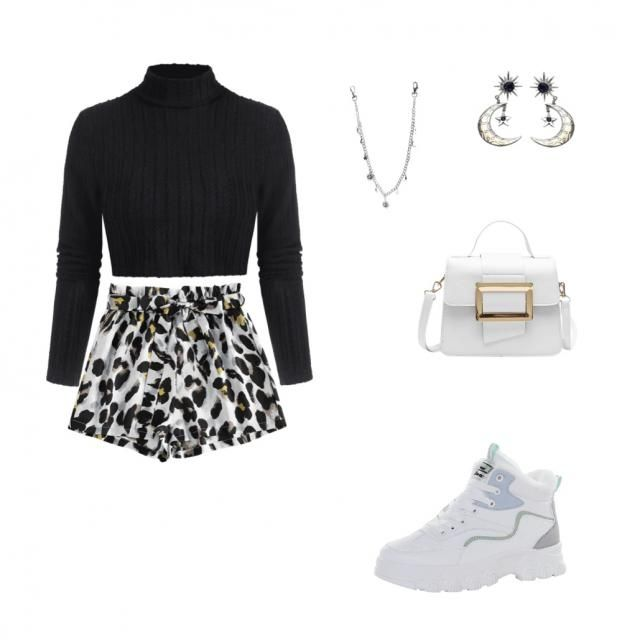 Black outfit /spotted short
