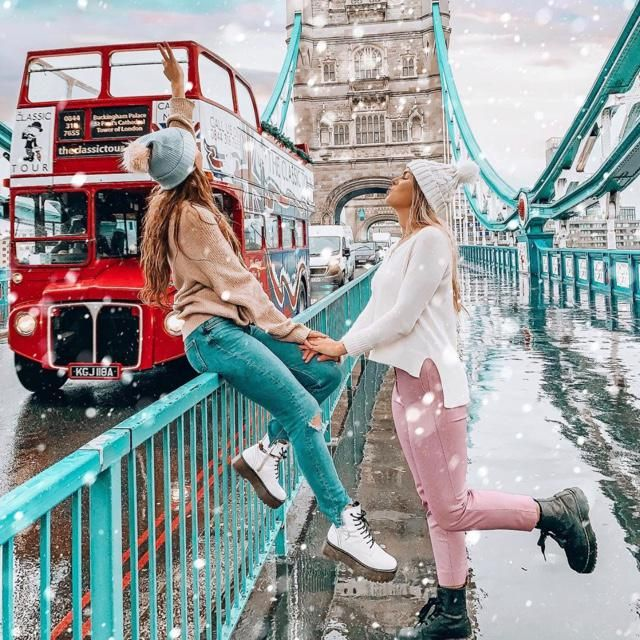 Enjoy the best moment with your bestie under the snow