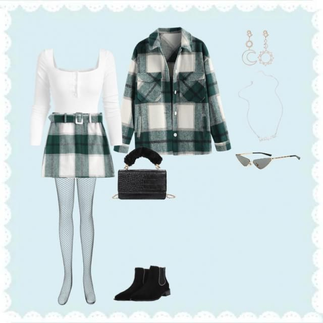 it kinda like clueless but Christmas themed and modern day I think it's really cute tbh!