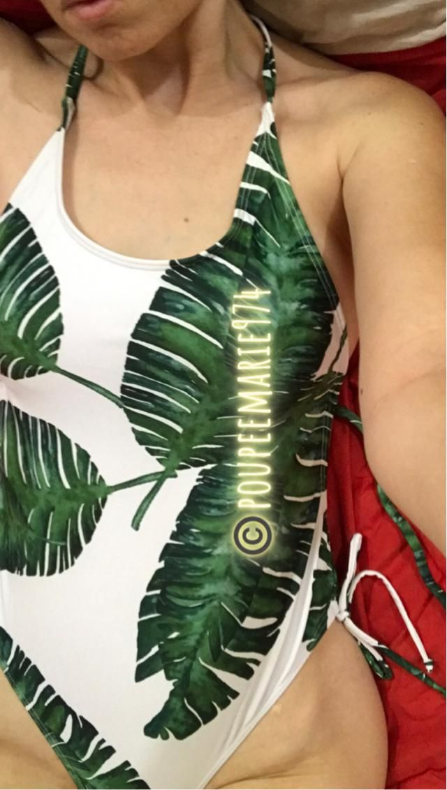 palm leaf crisscross monokini swimsuit size S. perfect fit with drop armhole and cinched at the sides.