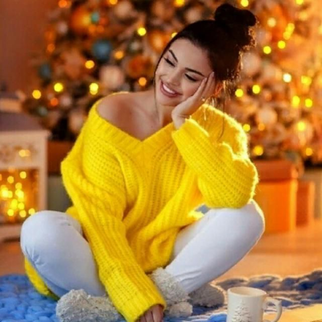 I am in love with this cute yellow sweater