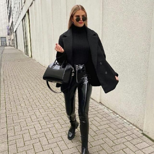 chic and stylish all black outfit