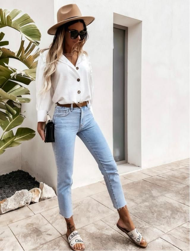 Let's hang out this casual, a nice top and cute jeans