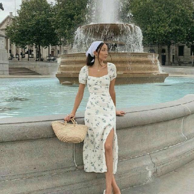 I love simple floral print long dress