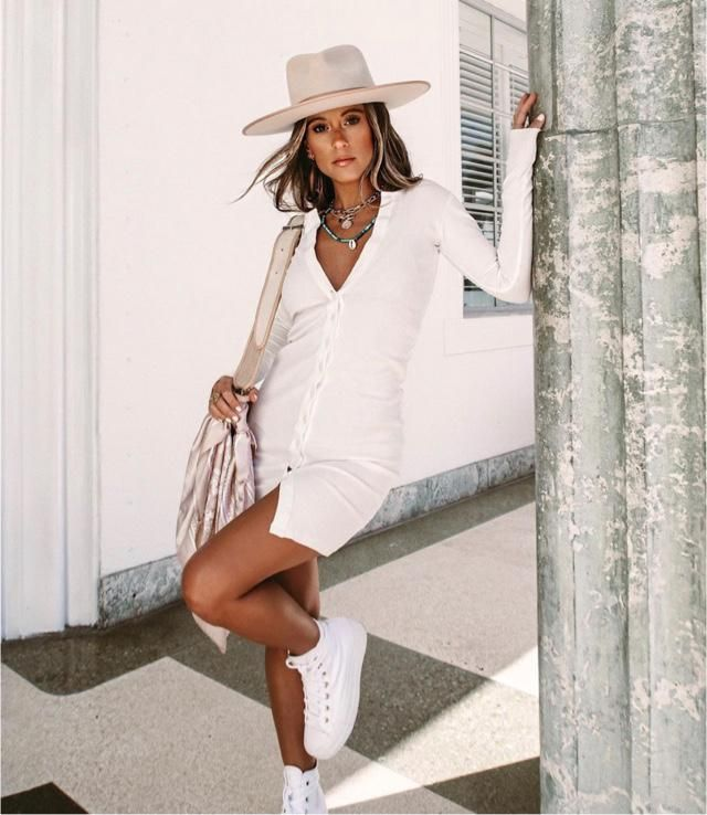White dress is a good dress for spring Saturday