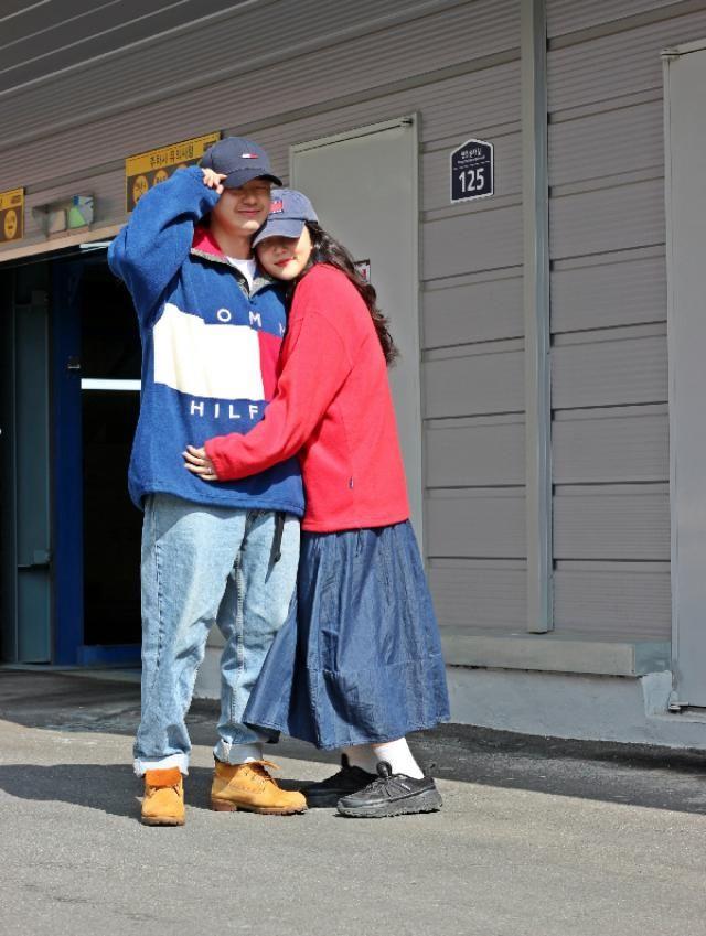 Tommyhilfiger couple fashion   insta: bb_stg